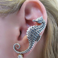 Silver Seahorse Ear Cuff