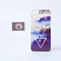 iPhone 5 Case - Foggy Woods iPhone 5 Case - Triangule Geometric Pattern over Woods Print - Plastic iPhone 5 Case - Accessories for iPhone