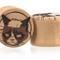 Grumpy Cat plugs