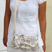 Crossbody bag, crossbody clutch bag damask in cream