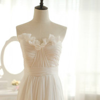 Vintage Inspired Chiffon Wedding Dress Strapless Sweetheart Ruffle Skirt Bridesmaid Dress Prom Dress