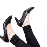 SALE - Vintage Alligator High Heels - Black Size 7 Gallery Collection by Rhythm Steps Shoes / Designer Pumps