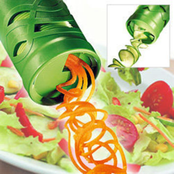 Easy Garnish Veggie Twister - Easy Garnish Veggie Twister, turns your Vegetables into attractive Spaghetti or Spirals in seconds! - LatestBuy Australia