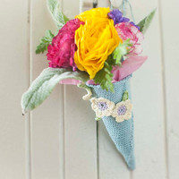 Tussie Mussie - Crochet Flower Cone - Wedding Decor