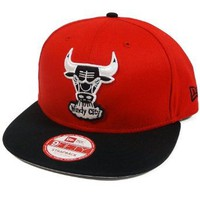 Amazon.com: Chicago Bulls Scarlet/Black/White NE Strap 9FIFTY Strapback Hat Cap: Clothing