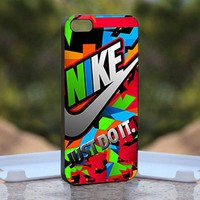 Nike Just Do It Colorful, Print on Hard Cover iPhone 4/4S Black Case