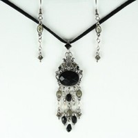Vintage style pendant necklace with black rhinestones