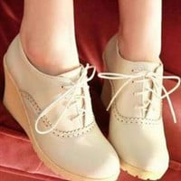 Maxim Lace Wedge Shoes from sniksa