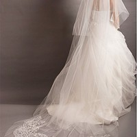 [55.73] Custom-Made Ivory Tulle Two-tiers Veil With Floral Lace Appliques For Your Glamorous Wedding Dress - Dressilyme.com