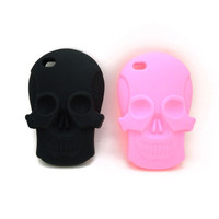 Skull iPhone 4/4s or 5 Case (2 Colors!)