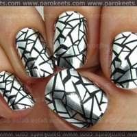 Nail Strips: No Dry Time and Awesome Design