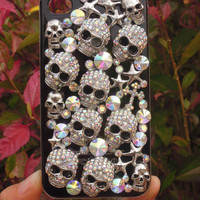 iPhone 4 Bling Crystal Rhinestone Skull Plastic Hard Back Cover Case