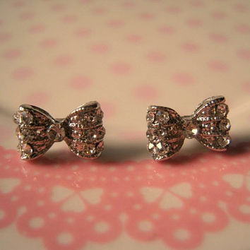 Bow Earrings Sparkly Bow by Bitsofbling on Etsy