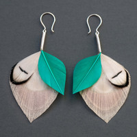 Bridal Peacock Feather Earrings in Eggshell Cream, Emerald Green &amp; Pure White - Large Dangles - READY TO SHIP