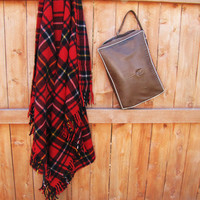 vintage plaid Faribo fluff loomed 100 percent wool stadium blanket with case. wool throw with bag. plaid picnic blanket