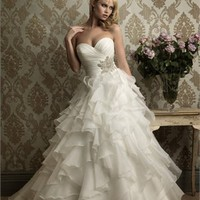 Glamourous Sweetheart Neckline Tulle Ruffles Ball Gown Wedding Dress WD1599