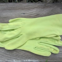 60s Lime Wristlet Gloves, 6.5 / XS // Vintage Gloves // Spring Gloves