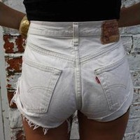 MARKS: Vintage Levis WHITE High Waisted SHORTS from Boutique 73