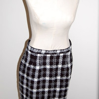 1980's Bedford Fair  Houndstooth Pattern Woven Skirt /  Black and  White / Womens  Size 12 & LOVELY