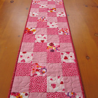 Quilted Table Runner Hearts