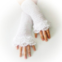 Fingerless Gloves , White, Bridal, Bride, Elegant, Shabby, Chic, Lace gloves, Mittens, Elegantly, Winter, christmas gift,