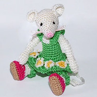Buy Green Mouse pattern - AmigurumiPatterns.net