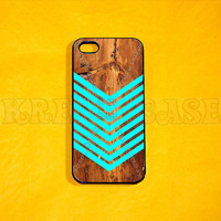 iphone 4 Case, iPhone 4s case - Geometric arrow on wood print  iPhone 4 Cases, Iphone 4s Cover,Case for iPhone 4