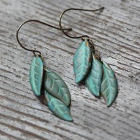tinkerbell green leaves indie earrings