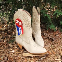 dead stock stone leather Dingo cowgirl boot. cream leather cowboy boot. size 5.5M. made in USA. vintage cowgirl boot