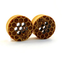"Cutout Honeycomb with Bee Yellowheart Wooden Plugs 7/8"" (22mm) 1"" (25.5mm) 1 1/8"" (28mm) 1 1/4"" (32mm) 1 1/2""(38mm) (44mm) Ear Gauges"