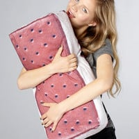 Ice Cream Sandwich Pillow | Yummypillow | fredflare.com | fredflare.com