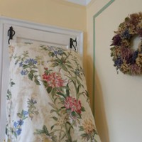 Hanging Quilt and Comforter Rack and Hanger for All Size Bedding