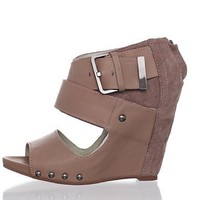 Mea Shadow Women&#x27;s Medea Wedge Sandal at MYHABIT