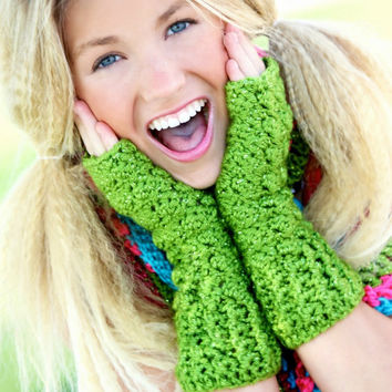 Tuesday Tutorial: Free Crochet Pattern for Fingerless Gloves