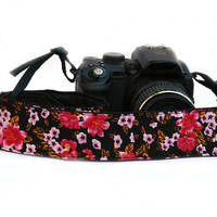 Floral Camera Strap.dSLR Camera Strap with Flowers. Red, Pink  and Black Camera Strap. Women accessories