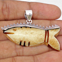 26.49cts BROWN CARVED BONE FISH GEMSTONE 925 STERLING SILVER PENDANT E6911