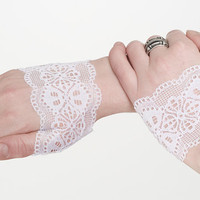 Tiny lace fingerless gloves White color by MetamorphDK on Etsy