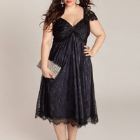 Rachelle Plus Size Lace Dress in Onyx