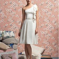 [93.84] Stunning Chiffon Sheath One Shoulder Bridesmaid Dress - Dressilyme.com
