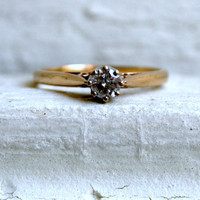 Lovely Vintage 9K Yellow Gold Diamond Solitaire Engagement Ring.