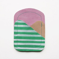 CARDHOLDER 01 // apple green pink skin tone