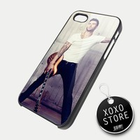 Adam Levine Guitar iPhone 5 4/4S Samsung Galaxy S3 S2 Hard Plastic Case