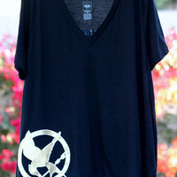 The Crafted Sparrow: DIY Hunger Games Shirt {Freezer Paper Stencils}