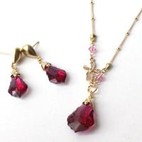Gold plated metal with zircon and pink swarovski crystal necklace and earring