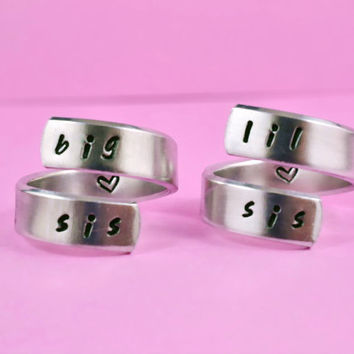 big sis / lil sis  - Spiral Ring Set, Hand stamped, Handwritten Font, Shiny Aluminum, Forever Love, Friendship, BFF, V3