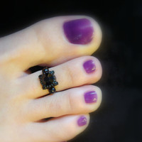 Toe Ring - Black Glass - Black Metal - Stretch Bead Toe Ring