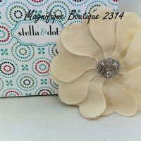 NEW & RETIRED Stella & Dot Bardot Flower -Ivory- Pin or Hair Clip
