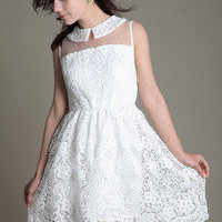sweet white elegant sleeveless lace dress