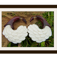 Fake Gauge Earrings , White Bone ,wood, Split Gauge Earrings,hand carved,organic,naturally,fake piercings