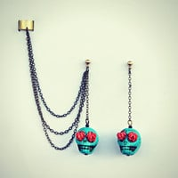 ear cuff with turquoise sugar skull, skull earrings, ear cuff earrings, ear cuff with chains, day of the dead skull